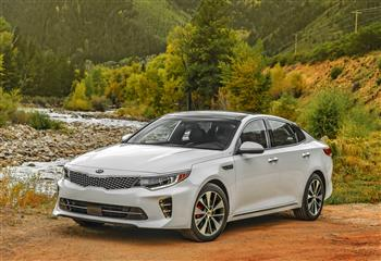 All-new 2016 Kia Optima and Sorento win 'International Car of The Year' Awards