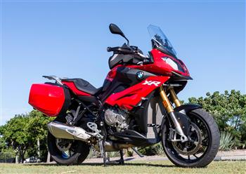 BMW S 1000 XR takes out AMCN Motorcycle of the Year.