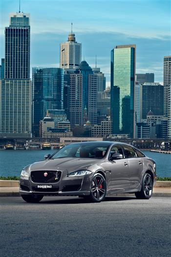 2016 Jaguar XJR