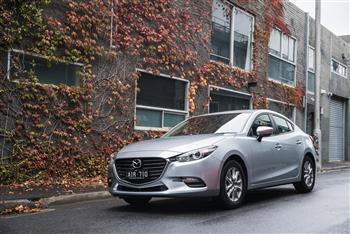 2016 Mazda3 Neo sedan