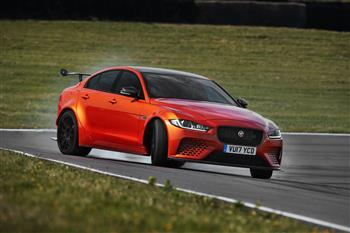 2017 Jaguar XE SV Project 8