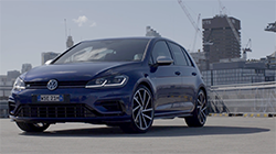 2017 Volkswagen Golf 7.5 R B-Roll.
