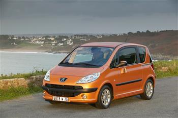 Peugeot 1007 Reinvents Small Car Safety Standards