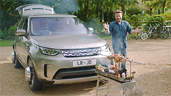 Chef and TV personality Jamie Oliver and Jaguar Land Rover have created the ultimate kitchen on four wheels highlighting the versatility of a Land Rover Discovery...