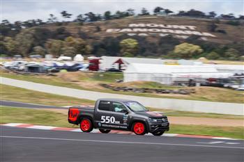 Apprentice-built V6 Amarok laps Mount Panorama