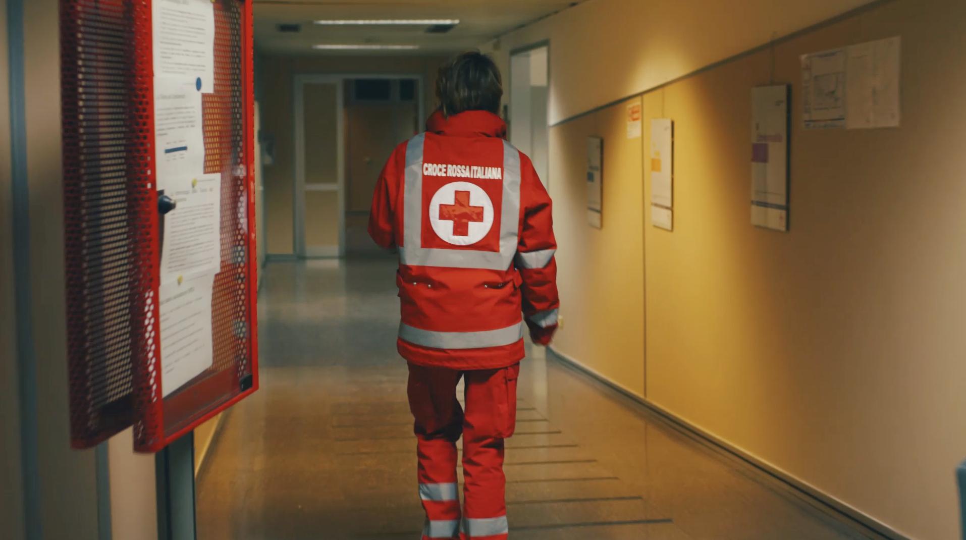 Land Rover Celebrates International Red Cross Week With Film Championing Volunteers - volunteer in Milan.