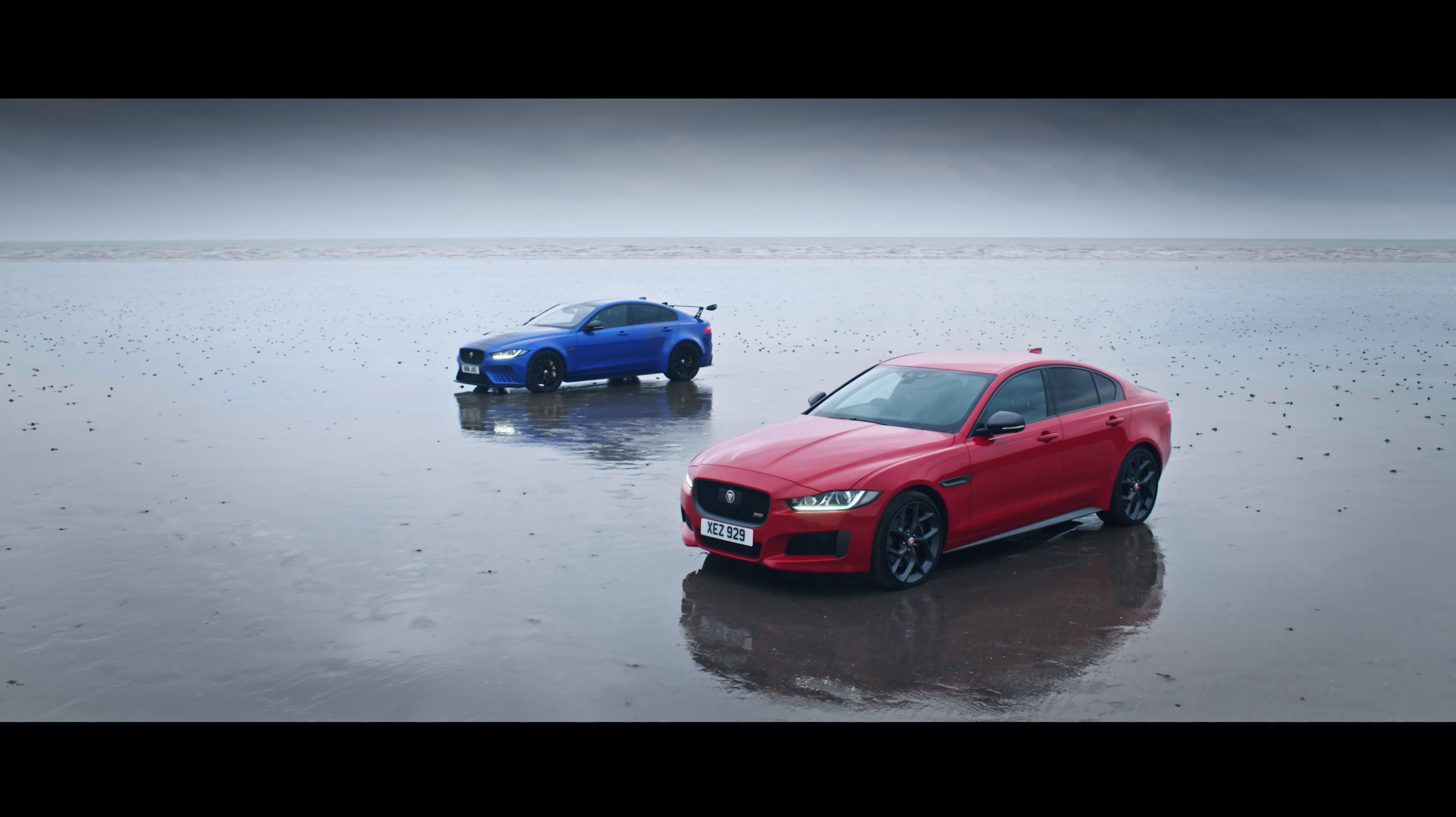 Jaguar has celebrated the shared bloodline of the XE 300 SPORT and XE SV Project 8 by creating a unique piece of art in the sand...