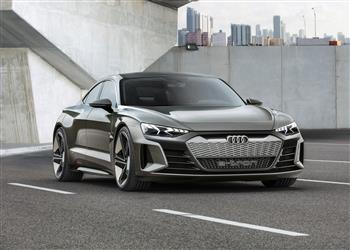 New star in the movie capital – the new Audi e-tron GT concept