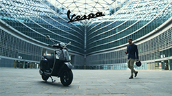 2019 Vespa GTS Super Tech 300 HPE.