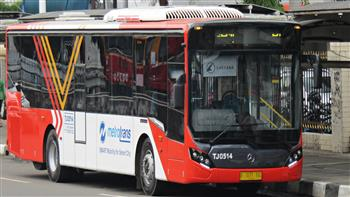 Mercedes-Benz and Allison export over250 buses with fully automatic transmissionsto Indonesia