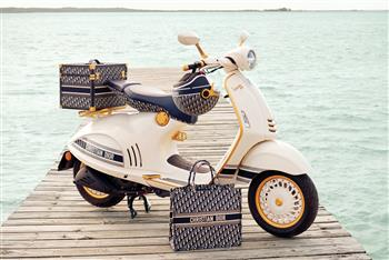 2020 Vespa 946 Christian Dior