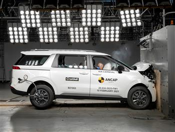 Latest safety enters People Mover segment with Kia Carnival 5 stars.