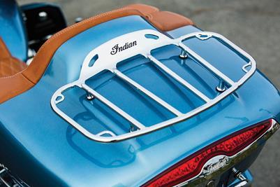2016 Indian Motorcycles Roadmaster - blue diamond