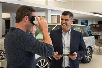 Jaguar Land Rover Customers Immerse Themselves In Virtual Vehicles