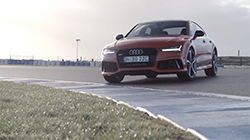 2015 Audi RS 7 Sportback B-roll.