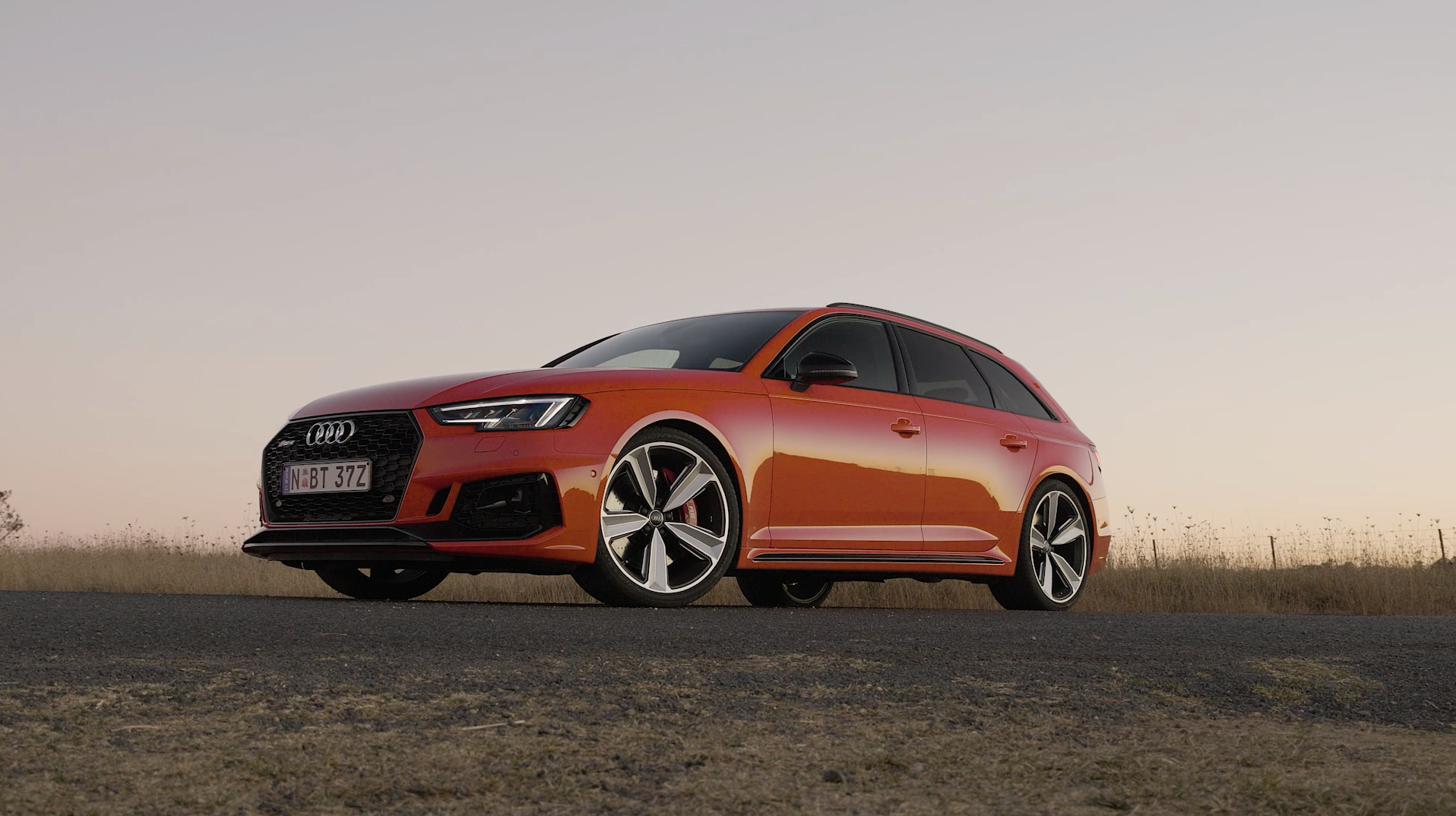 2018 Audi RS 4 Avant B-Roll.