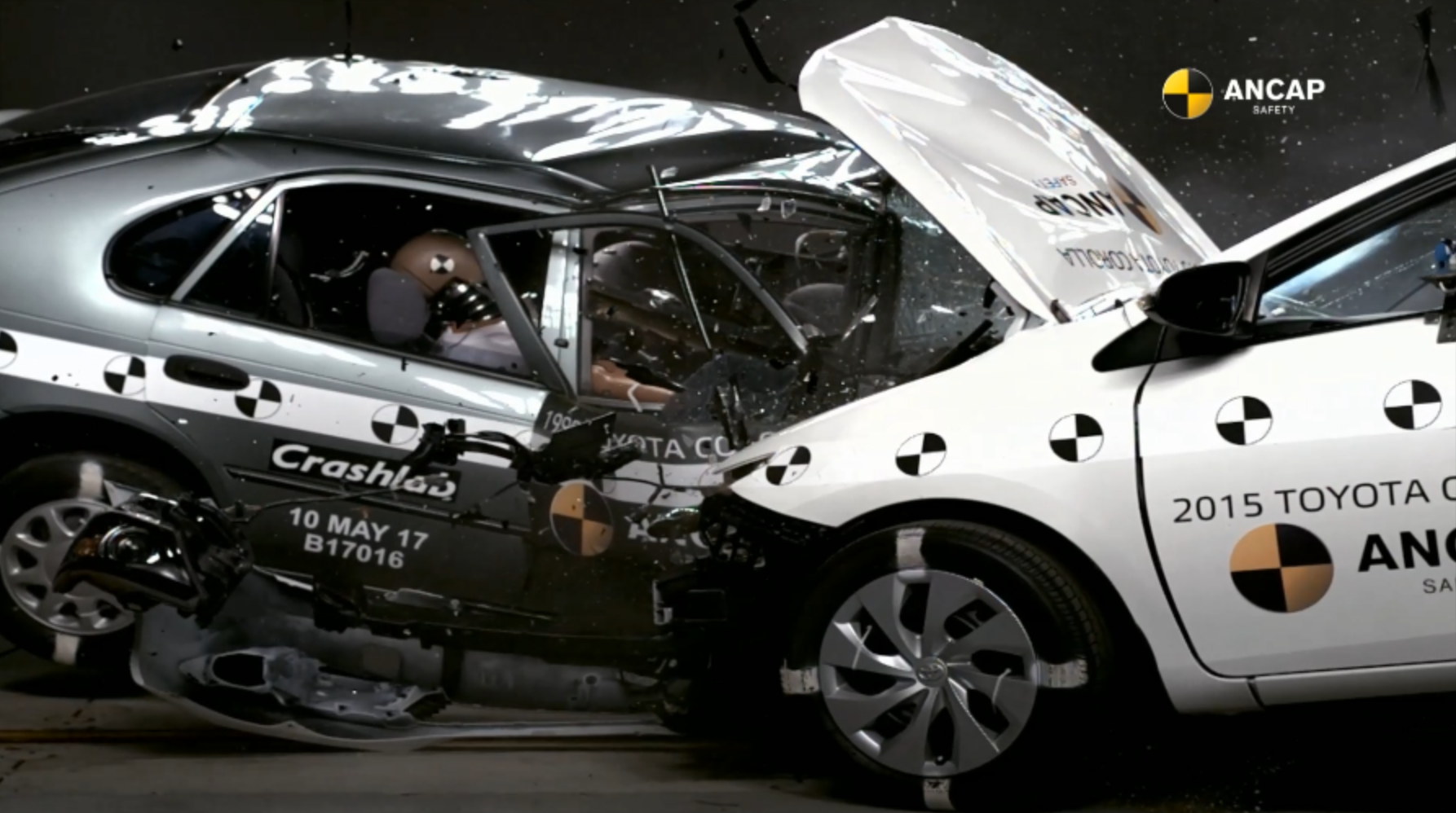 ANCAP Car-to-Car Crash Test involving 1998 and 2015 Toyota Corollas.