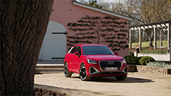 The 40 TFSI quattro S line model continues with the energetic 2.0 TFSI engine that produces 140kW/320Nm, which is enough to power the Q2 to 100 km/h in just 6.5 seconds, with fuel consumption of 7.0L/100km.
